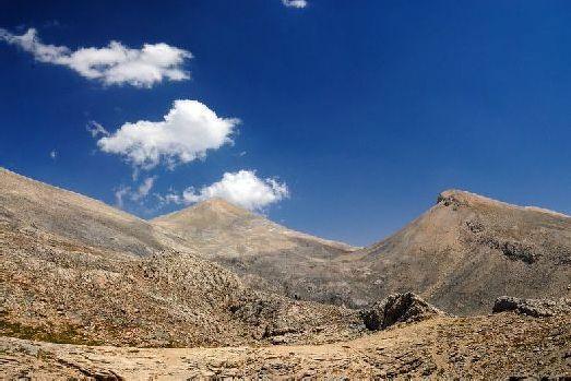 Местность на Крите преимущественно гористая