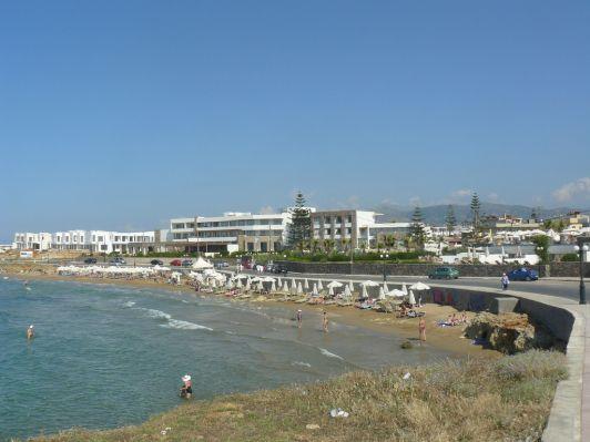 Гувес - курорт, чья прибрежная зона усыпана отелями и апартаментами на любой вкус— от 5-ти звездочных до кемпингов