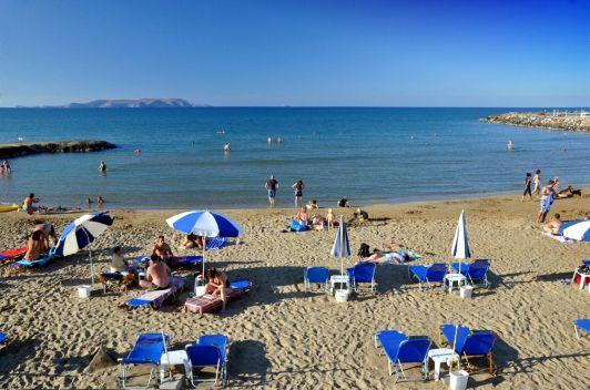 Некоторые песчаные пляжи Гувеса отмечены европейским голубым флагом