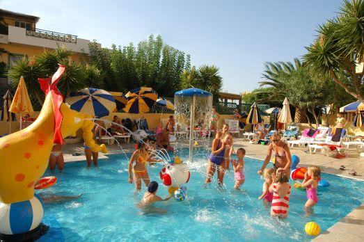 Давайте узнаем, какие лучшие отели для детей может предложить Крит!