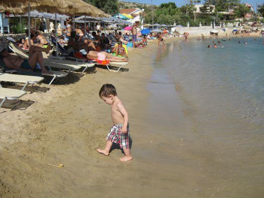 На Крите есть много отличных пляжей для отдыха с детьми, но отнестись к его выбору стоит со всей серьезностью, благо отзывов в интернете хватает