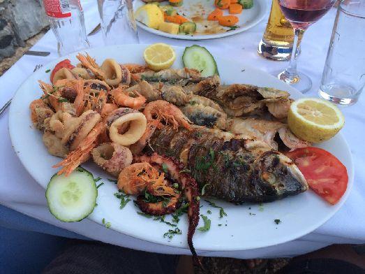 Местные морепродукты на Крите стоят довольно дорого и не всем по карману..