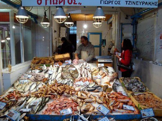 На рынках Крита можно найти почти любой морской деликатес