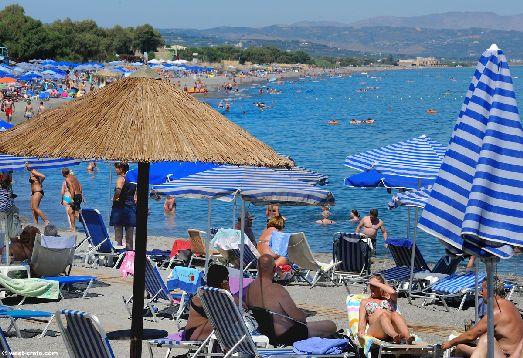 Российские туристы возвращаются на Крит