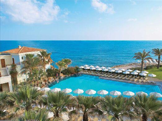 Главные достоинства отеля - большая красивая территория, отличный пляж и прекрасная кухня