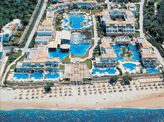 Отель Aldemar Royal 5 звезд находится в Ираклионе на берегу Критиского моря