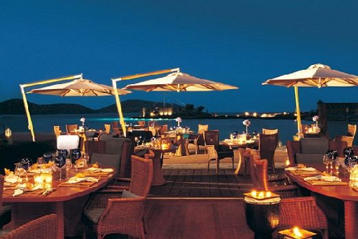 На территории отеля 4 ресторана с прекрасной кухней, из которых особенно выделяется ресторан Dionisso