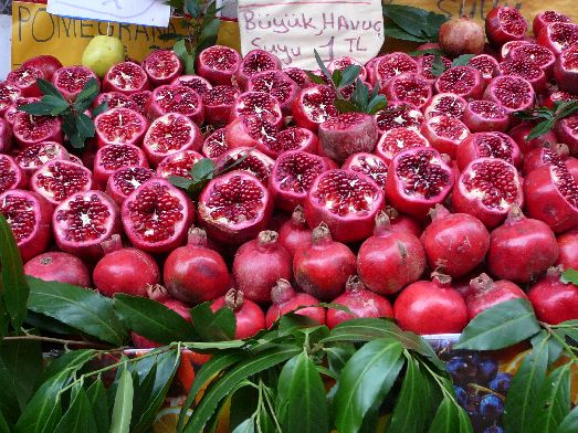 Осенью на Крите зреет виноград, инжир, арбузы, дыни, бананы, яблоки, груши и даже гранаты!