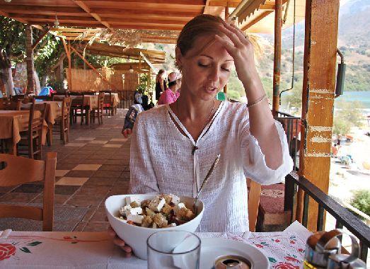 Будьте осторожны, порции на Крите просто огромные! ))