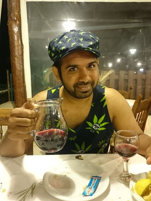 Многие отмечают Критские вино под названием House Wine, правда выпускается оно лишь для одной известной отельной сети